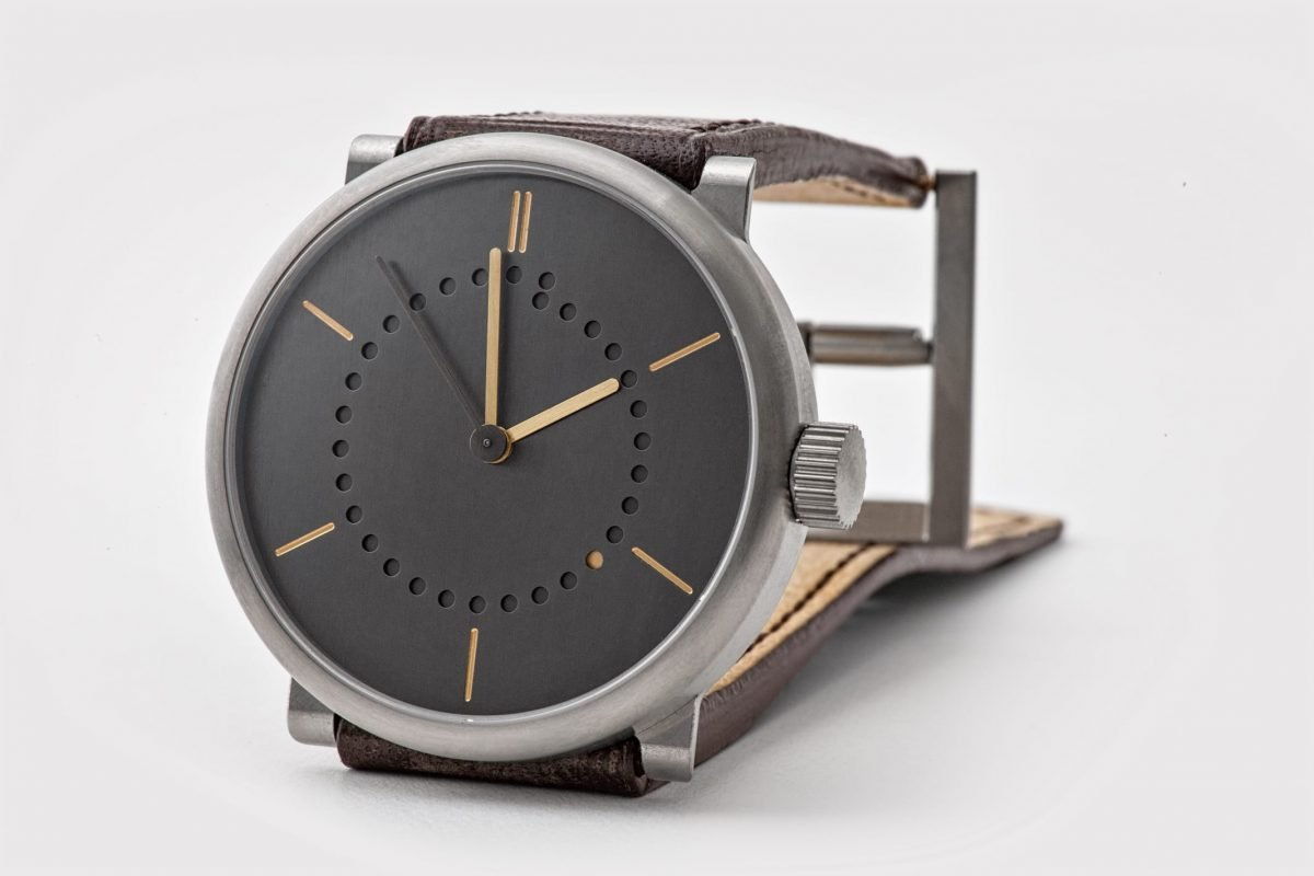 date watch (42mm grade 5 titanium case with patina dial, by ochs und junior)